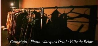 Scène de théâtre d'avant garde à Reims