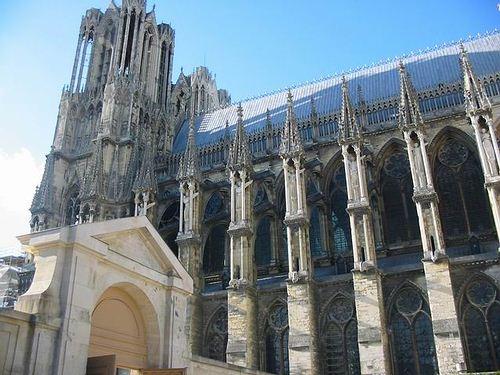 le tourisme à Reims, Les monuments et édifices à Reims