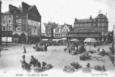 Place du marché à  Reims