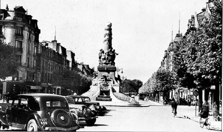 Reims,Fontaine Subé en 1954